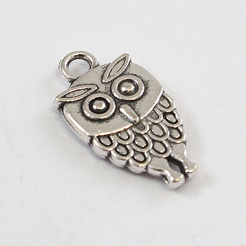 10 x CH28 Owl Charms